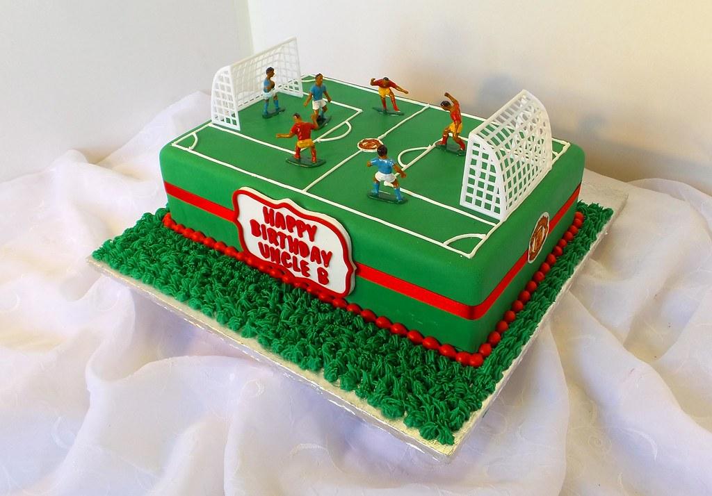 Peachy Soccer Field Shaped Birthday Cake Astrid De Flickr Funny Birthday Cards Online Aboleapandamsfinfo