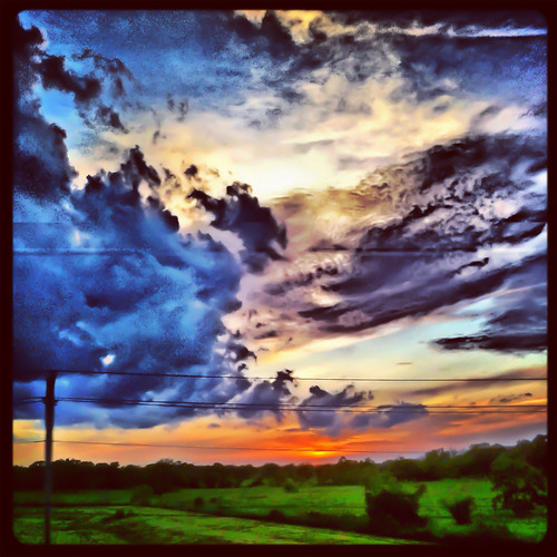 sunset sky apple clouds square mac squareformat sherry cloudporn 2012 4g iphone texassky scenesfromthebackofabike iphoneography instagramapp uploaded:by=instagram foursquare:venue=4ee5067a9adf3982000e14d6