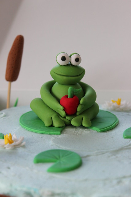 Frog and Apple Cake Topper