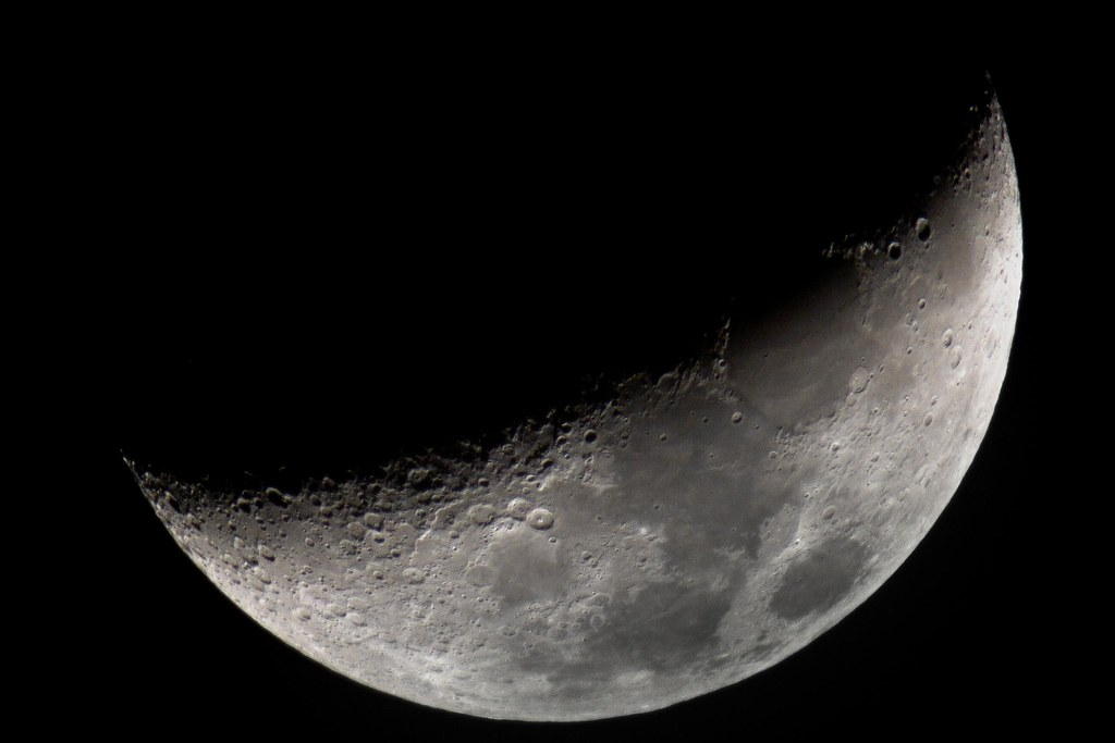 Waxing Crescent Moon - Canon 400mm f/5.6 + 1.4x & 2x TCs ...