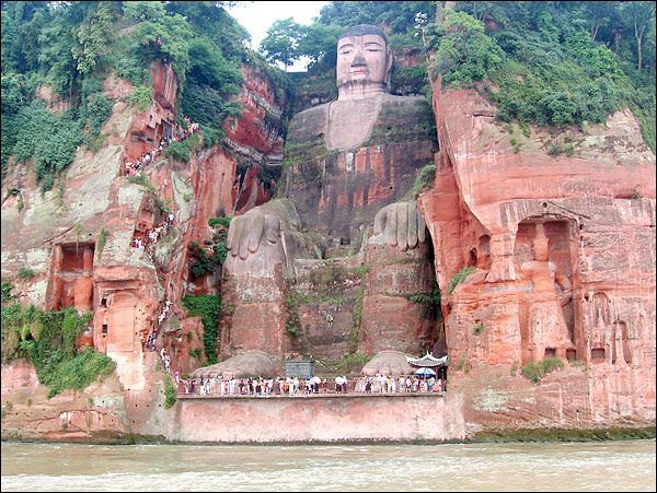 Giant Buddha in Leshan, China (1)