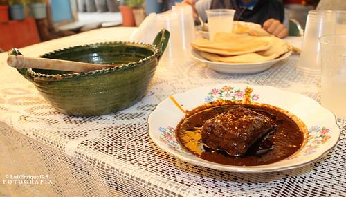 Día de Muertos Accidentados - Mole Poblano - Comida en Tochimilco  - Puebla - México