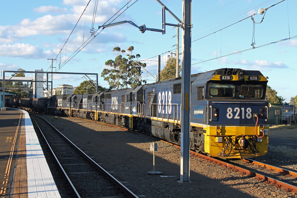 8218, 8206, 8211, 8233 LS98 Thirroul by Thomas