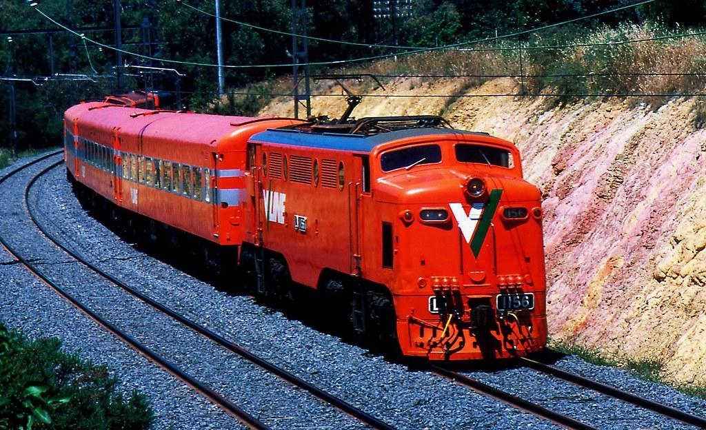 L1156 on V/Line promotinal train by Rodney S300