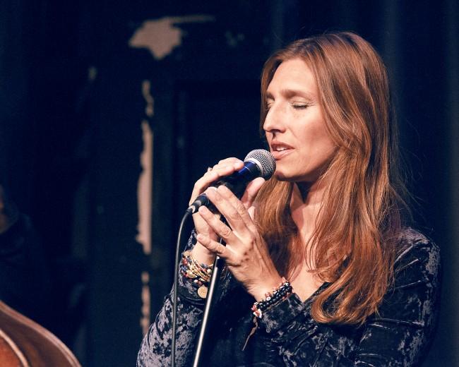 Cristina Morrison | latin jazz singer | International Fema