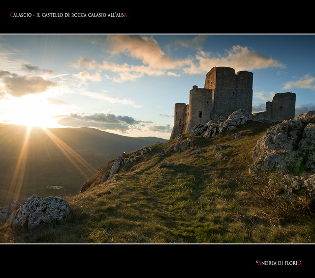 Calascio - Il castello di Rocca Calascio all'alba