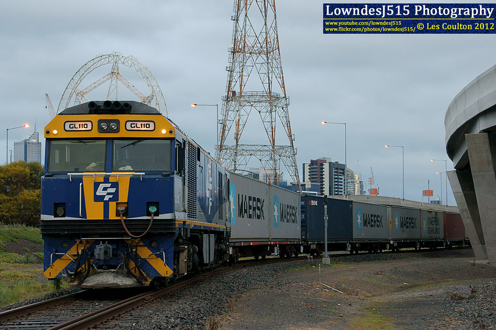 GL110 at Victoria Dock by LowndesJ515