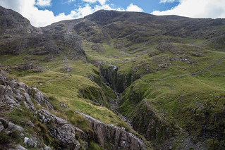 Looking up towards Scafell Pike | by johnkaysleftleg