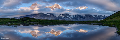 schnee sunset red panorama lake snow clouds rouge mirror see soleil sonnenuntergang wiesen wolken lac glacier berge neige alpen nuages gletscher bergsee sonne eiger spiegelung mirroir coucherdesoleil glace jungfrau gebirge abendrot mönch kleinescheidegg seespiegelung