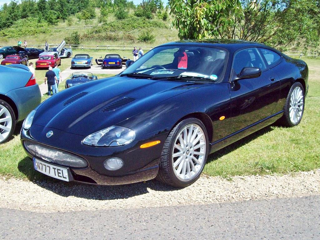 53 Jaguar XKR Coupe Auto (2004) | Jaguar XKR (1996-06) Engin… | Flickr