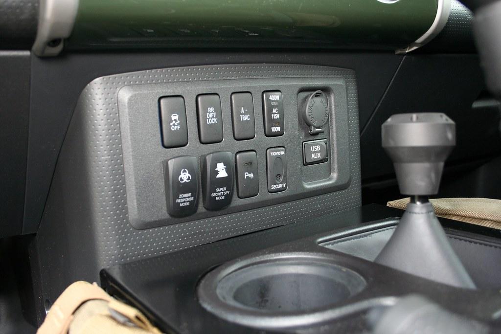 FJ Cruiser: Z E E  - Toyota Cruisers & Trucks Magazine