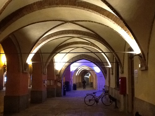 <p>Illuminazione portici a LED bianco</p>