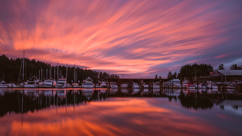 sunrise longexposure reflection colorful boats clouds sky water gigharbor pacificnorthwest canoneos5dmarkiii motion canonef2470mmf28lusm washington