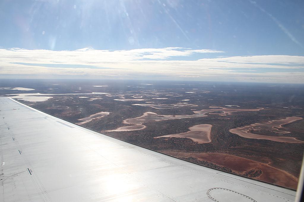 Qantaslink717-23S-VH-NXE-18