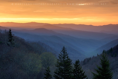 orange mountains sunrise landscape outside outdoors early nc spring vibrant seasonal northcarolina valley smokies appalachia greatsmokymountains appalachianmountains newfoundgaproad wnc greatsmokymountainsnationalpark southernunitedstates gsmnp westernnorthcarolina traveldestination southernappalachianmountains oconalufteevalley thomasdivide oconalufteevalleyoverlook