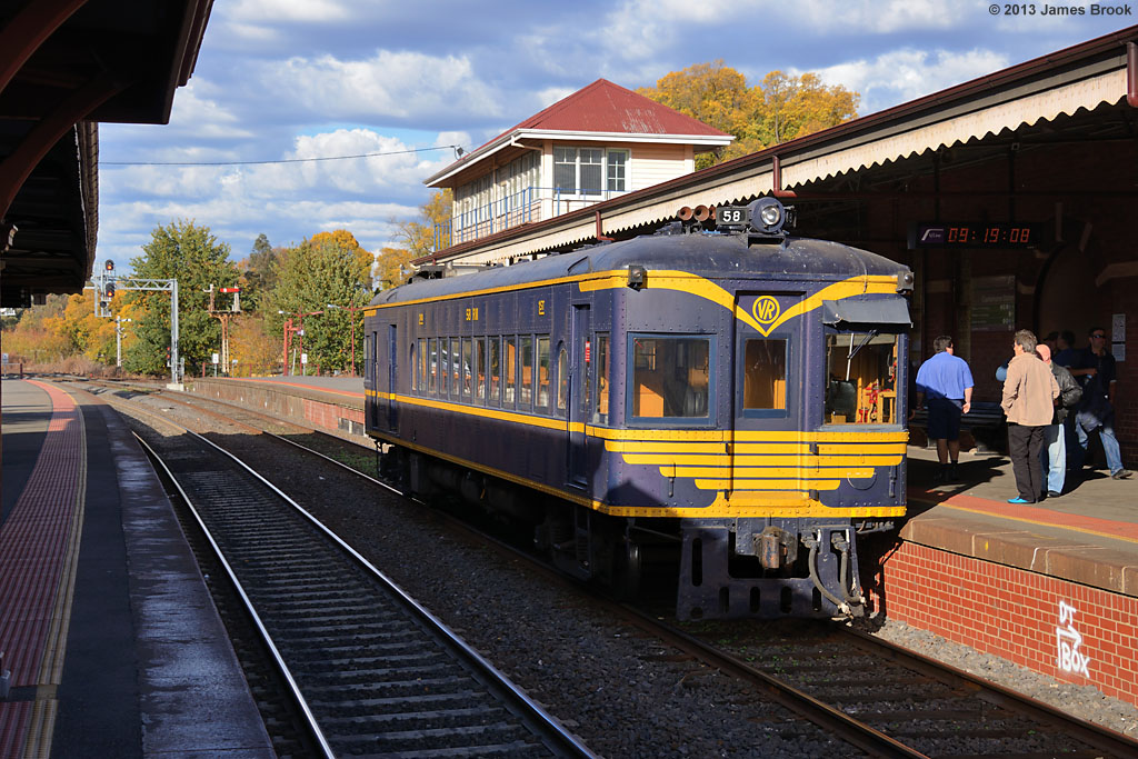 58RM at Castlemaine with 8095 by James Brook