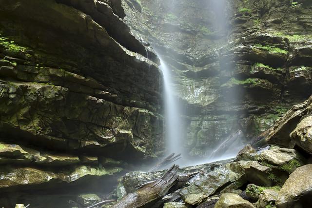 Verble Hollow Falls detail, Putnam Co, TN