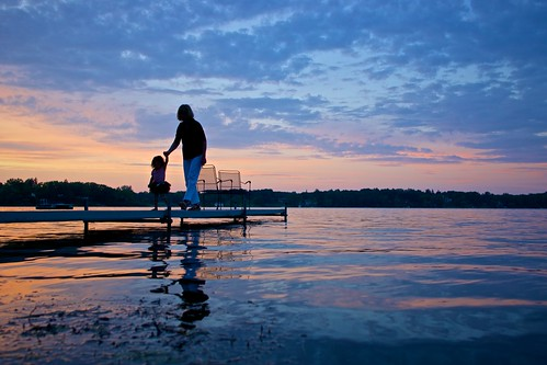 sunset lake silhouette dock michigan sony angelus apsc nex7 sel24f18z e24mmf18za ©jakejung gettyimagesjapan13q3