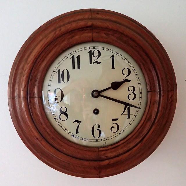 German wall clock Badische Uhrenfabrik Furtwangen nº 85