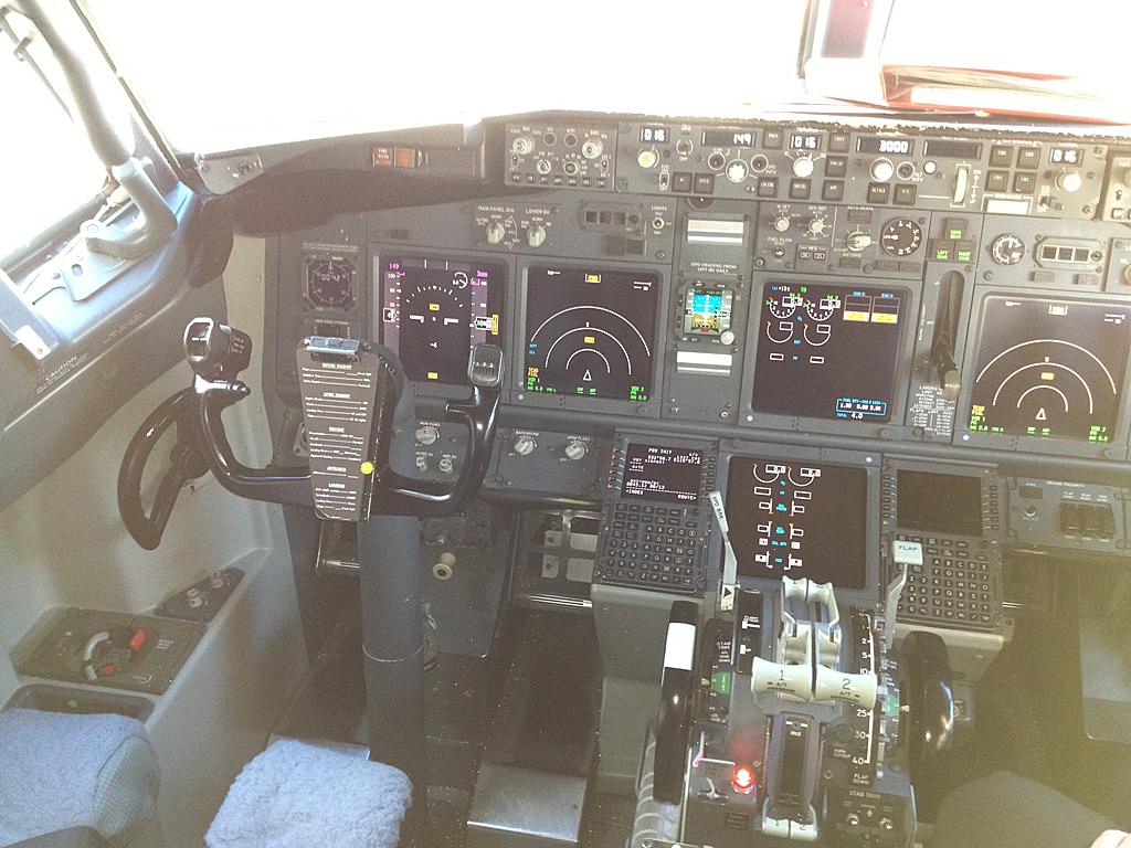Qantas737-838-VH-VXO-6