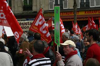 L'étape antipub de la manifestation au loin | by anti-pub