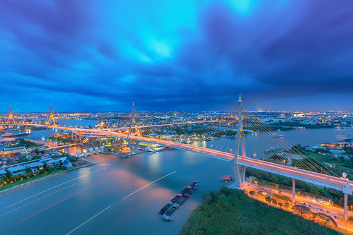 Cityscape - The Bhumibol Bridge also known as the Industrial Ring Road Bridge against raining cloudy sky in Bangkok, Thailand. - Cool tone or cold city style | by Gos Eye View