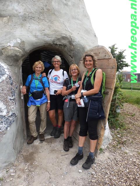 2016-06-11        Almeerdaagse     5e dag 42.5 Km (64)