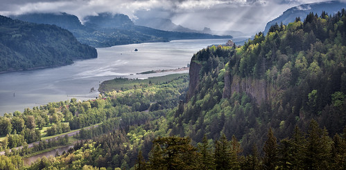 nature canon river portland landscape photography spring day cloudy outdoor columbiariver gorge crownpoint overlook viewpoint columbiarivergorge vistahouse beaconrock portlandwomensforum 2013 michaelriffle