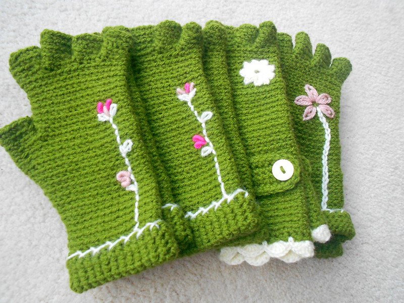 Crafts and mittens 051