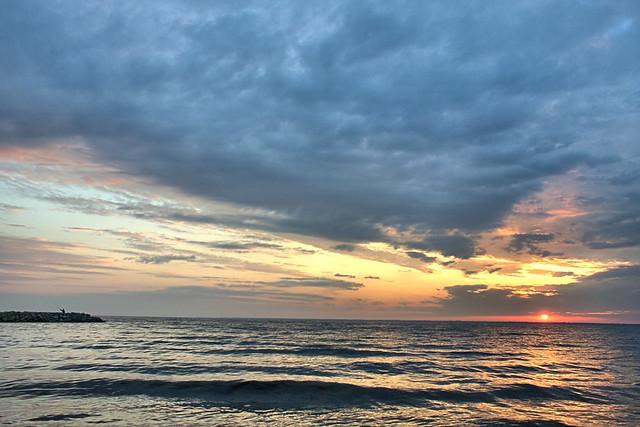 Kiev reservoir, sunrise