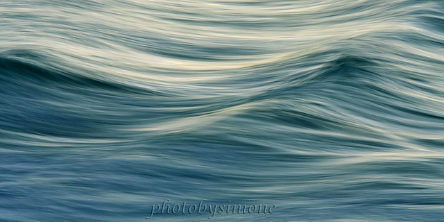 Soft blue waves #3940