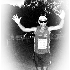 Ultramaratón24HsDeSanPedro/ARG/2009. Ao cair a noite, lembro-me de um ataque de pernilongos. Apesar do repelente, tome mosquito! ataques persistiam! #InstaPanga  #Panga35anos