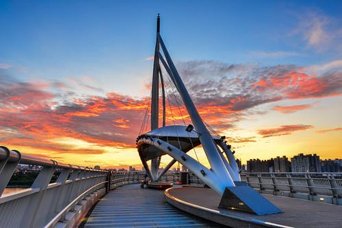 bridge sky cloud sunrise outdoors dawn taiwan 台灣 天空 晨曦 日出 火燒雲 中和區 newtaipei 新北市 左岸橋 zhonghedist