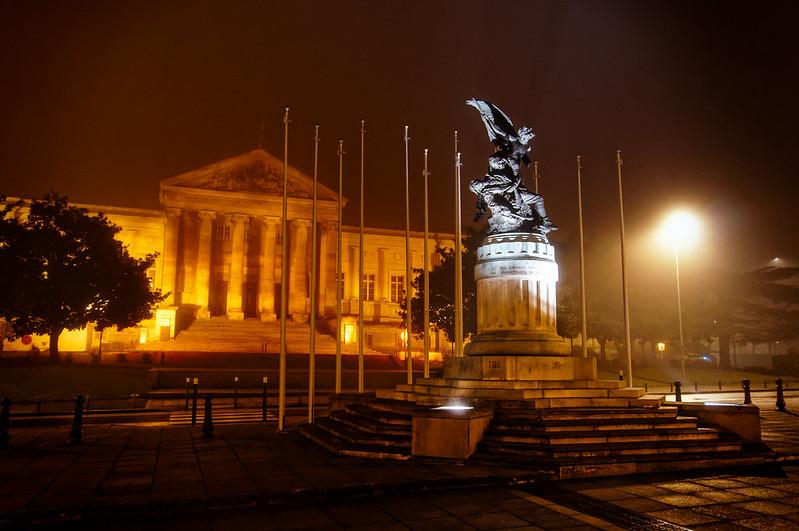 Palais de justice d'Angers, une nuit de brouillard