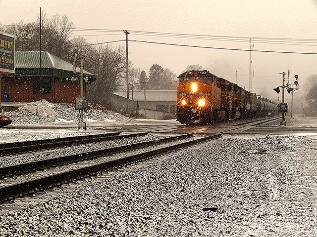 Eastbound Union Pacific in the snow at Kendallville Indiana