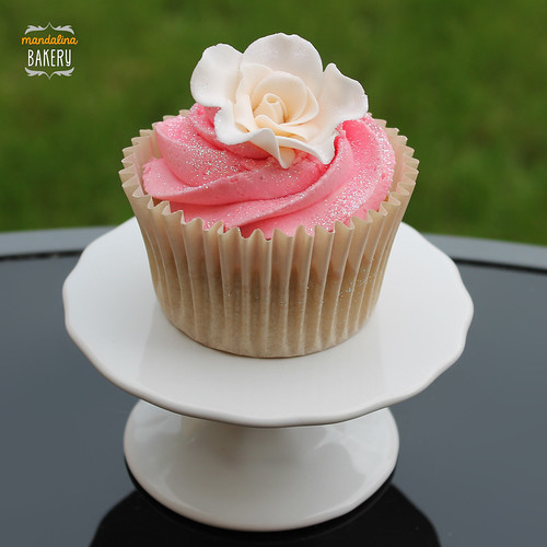 Rose wedding cupcakes 17 Aug '13 | by Ayca Wilson