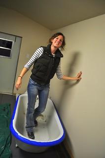 2012-01-09 Clawfoot bathtub strip and prep 06   by ericdodds