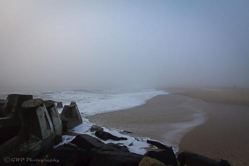 ocean morning sea beach fog canon newjersey sand waves nebel nj nebbia niebla oceancounty beachcombing beachcomber pointpleasant nevoeiro mgła مه туман 霧 ptpleasant efs1022mmf3545usm ضباب ομίχλη eos50d hamog gwpphotography gwp57