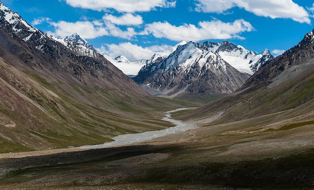 View from Karakoram Hwy close to Khunjerab Pass