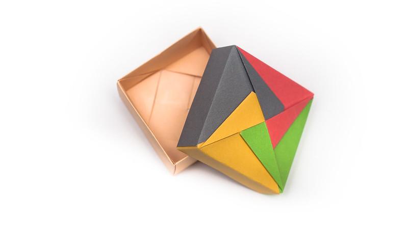 วิธีพับกล่องของขวัญแบบโมดูล่า (Modular Origami Decorative Box) โดย Tomoko Fuse -f02