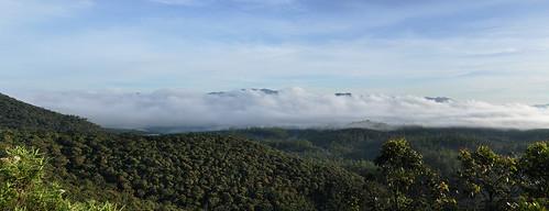travel hortonplains hortonplainsnationalpark ceylon srilanka southasia asia mist clouds panorama wideview blueskies outdoor landscape hill mountainside dnysmphotography dnysmsmugmugcom