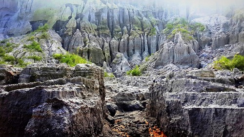volcano lava philippines pinatubo lahar