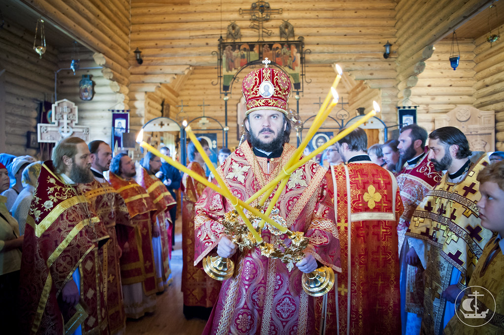 3 июня, Литургия в храме равноапостольных Константина и Елены