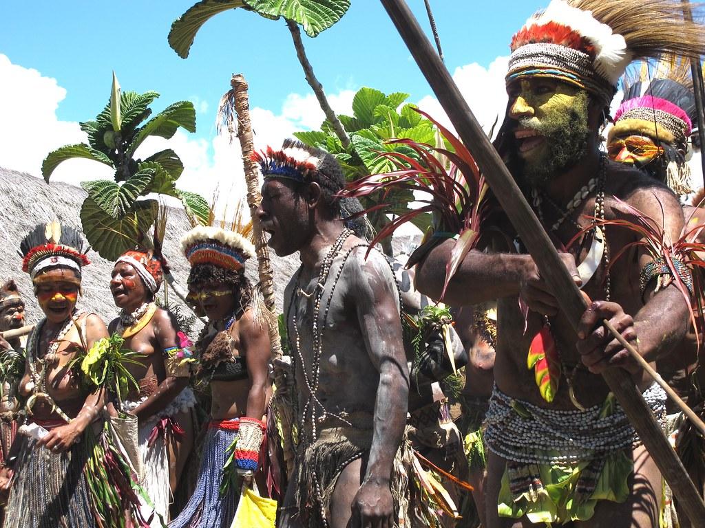 Village Asaro : Danse traditionnelle