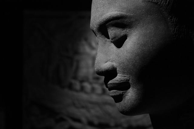 Portrait présumé de Jayavarman VII, Preah Khan de Kompong Svay (province de Preah Vihear), Style du Bayon, fin XIIème - début XIIIème siècle, musée national des arts asiatiques, Paris