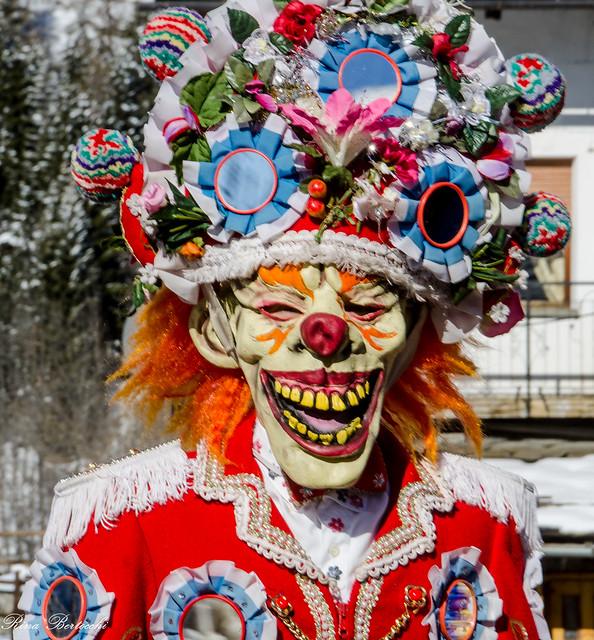 Una maschera del carnevale della Coumba Freida -A mask of the carnival of Coumba Freida