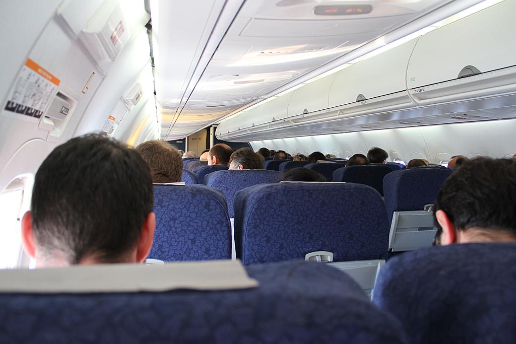 Qantaslink717-23S-VH-NXE-13
