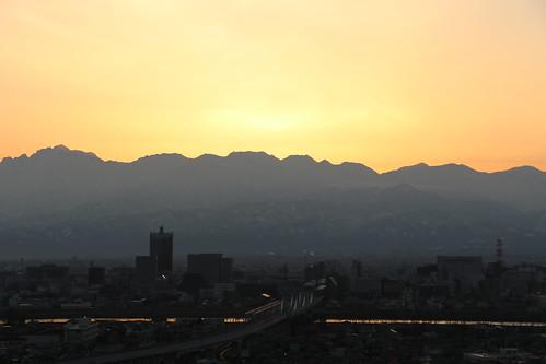 toyama japan morning sunrise glow mountain panorama 富山 立山連峰 富山市 skyline