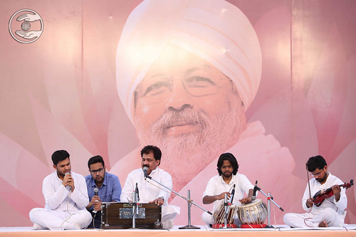 Devotional song by Vinod Kumar from Gurgaon
