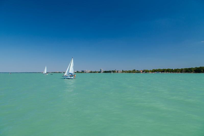 https://www.twin-loc.fr Lac lake Balaton Hongrie Hungary Siofolk photo picture image